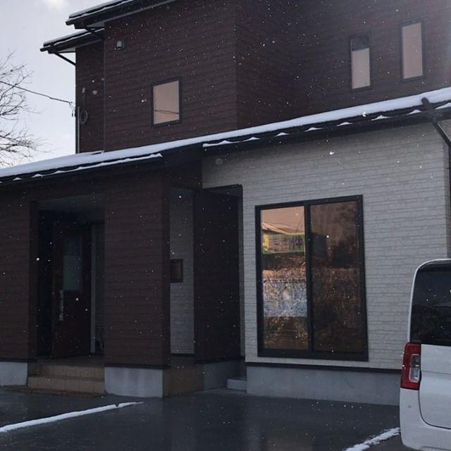 ついに初雪が降りました郡山市内です。#郡山市 #郡山 #koriyama #koriyamaphoto2018 #初雪 #雪 #snow#寒い